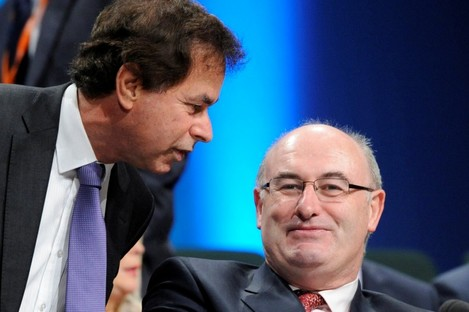 Alan Shatter (L) with Phil Hogan (File photo)