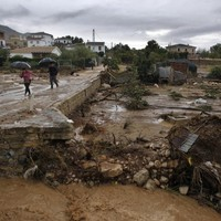 Floods kill six in southern Spain