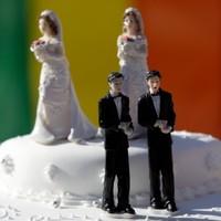 Mayor stirs up revolt against France gay marriage plans