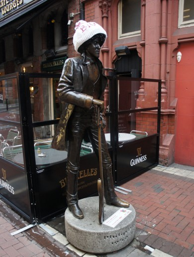 PICTURES: Molly Malone and Phil Lynott in woolly hats