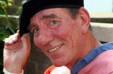 Hollywood veteran Pete Postlethwaite dies at 64