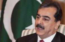 Pakistani PM tries to scrape together new coalition