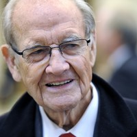 Former US presidential candidate George McGovern dies