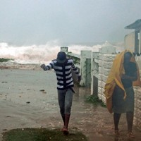 Hurricane Sandy kills 21 in Caribbean, takes aim at US
