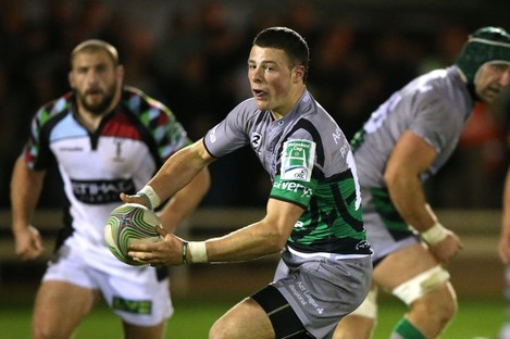 Robbie Henshaw in action against Harlequins.