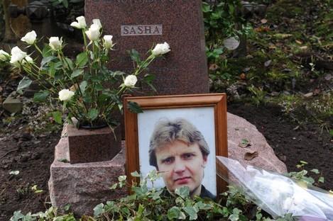 The grave of Alexander Litvinenko in Highgate Cemetery in north London