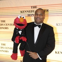 Man who accused Elmo puppeteer of underage sex changes his story