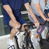 Lower death rates for those taking cholesterol medication and exercise - study