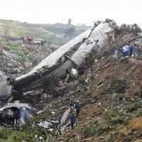 Around 30 people killed in Congo plane crash