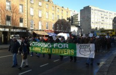 500 taxi drivers protest in Dublin city centre