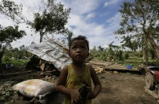 350 dead, 400 missing in Philippine typhoon