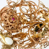 Campaign aims to turn jewellery into funding for cancer research