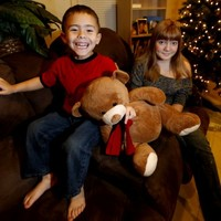 13-year-old calls for gender-neutral toy oven for little brother