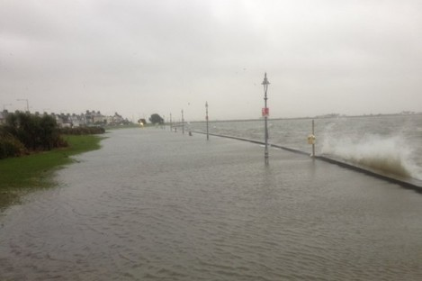 The cycle lane on the coast of Clontarf earlier today.