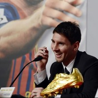 Road to nowhere: Messi re-signs with Barca until 2018