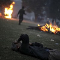 India: PM urges calm as anger rages over gang-rape