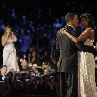 Katy Perry, Usher and cast of Glee to sing Obama into a second term
