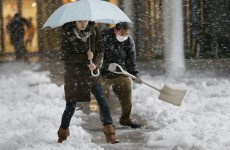 One dead, 900 hurt in heavy Japan snowfall