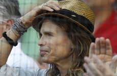 Aerosmith singer requests paparazzi law on Hawaiian islands