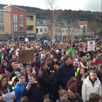Crowds gather for rally against Garda station closure
