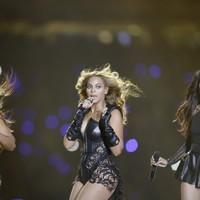 Video: Beyoncé's performance at the Super Bowl Halftime Show