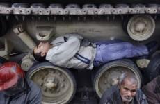 Protests continue in Egypt despite talks