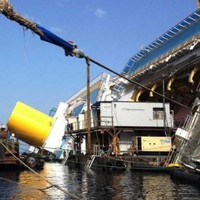 Here's how the Costa Concordia wreck is being removed
