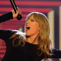 The Dredge: Ah here, Taylor Swift - leave it out with Ed Sheeran