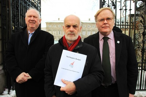 UNITE's Walter Cullen, centre, with Jimmy Kelly (left) and Michael Taft. The union has recommended that members reject the 'Croke Park 2' proposals.