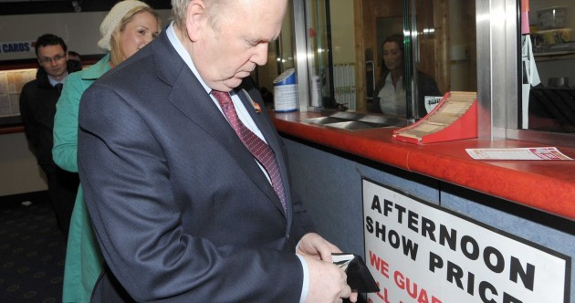 Pics: 6 steps to successfully placing a bet, with Michael Noonan