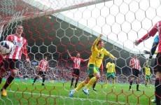 Ten-men Norwich hold Sunderland at Stadium of Light