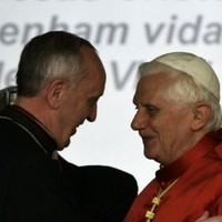 Francis to meet Benedict XVI in 'first ever' meeting of popes