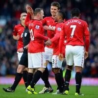 Alex Ferguson sets record Premier League points total for title-chasing Man Utd