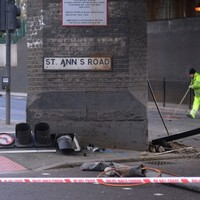 'Class A drugs' found after London police car chase