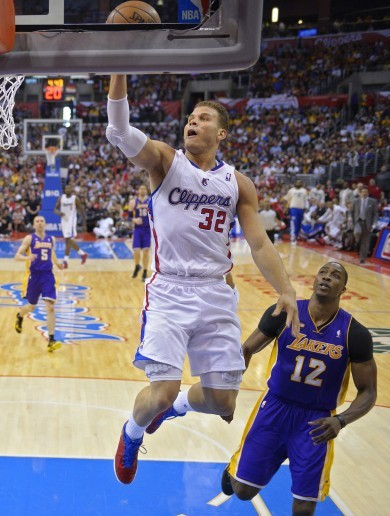 The EXACT moment when Blake Griffin thought: 'Layup? Nah, I'm dunking this!'