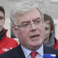 FG-Labour war: Gilmore says families 'screwed' by austerity plans
