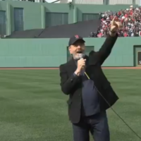 Neil Diamond singing 'Sweet Caroline' at Fenway Park was as spontaneous as it looked