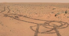 Men are from Mars: €1.9bn NASA Rover draws penis on red planet