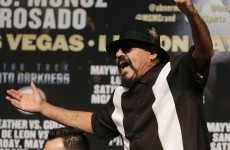 Floyd Mayweather repeatedly called a 'woman beater' by next opponent's dad