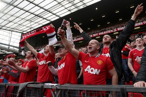 An emotional atmosphere is expected at Old Trafford on Sunday, as fans say goodbye to departing boss Alex Ferguson.