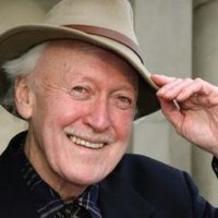 Renowned theatre director Vincent Dowling dies