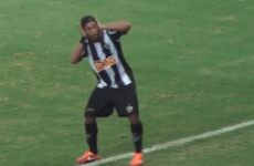 Ronaldinho is still absolutely brilliant (at celebrating goals)