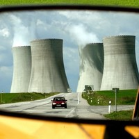 Building eight nuclear power plants in the UK poses little threat to Ireland