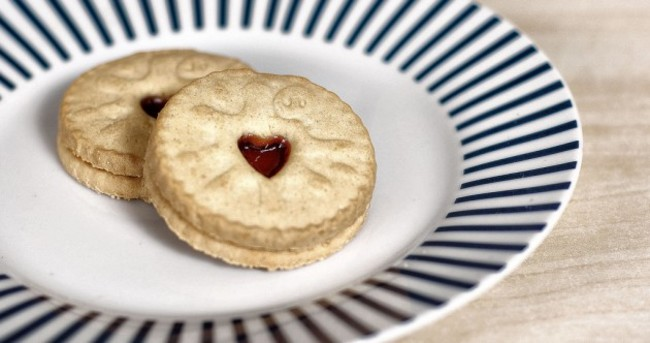 9 biscuits your mam would never buy you, and 5 that she definitely would