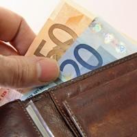 Workers in Ireland earn an average of €697 a week