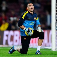 Unlucky Pepe Reina... Victor Valdes is staying with Barcelona for another year