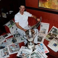 Justin Rose took an amazing picture with the US Open trophy