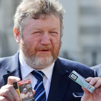 Reilly not convinced that electronic cigarettes are safe, orders review