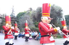 Toy soldier loses the head at Disneyland