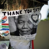 Mandela family tries to end gravesite row
